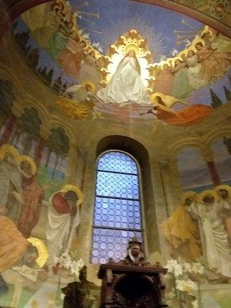 interni con affreschi