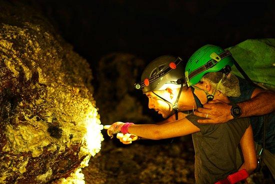 Bazaltik Réunion, Tunnels de lave