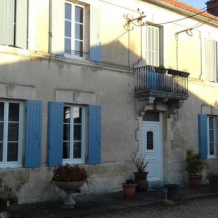 Le Tatre, Francia: Un accueil sympathique, une bonne table, très bonne literie, propreté remarquable. A refaire Martine  Olivier(le cycliste)