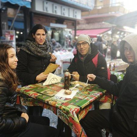 I nostri clienti turisti che scelgono di mangiare da noi grazie mille per averci scelto