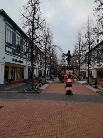 Roermond outlet große größen