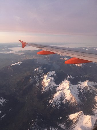 Рона-Альпы, Франция: Rhône-Alpes Auvergne-Rhône-Alpes, France  from above