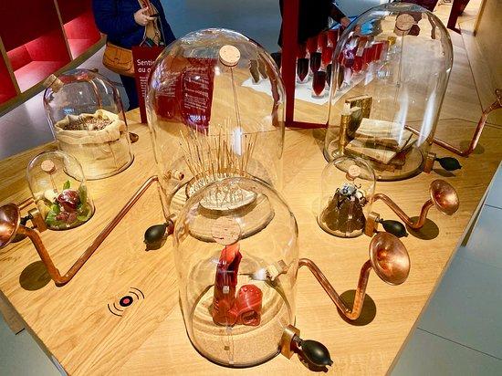 Bordeaux La Cité du Vin Wine Culture Museum Skip-the-Line Entrance Ticket: sample wine smells