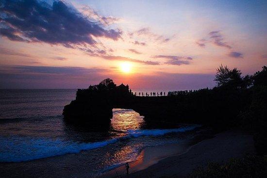 含晚餐和塔曼阿云寺的海神庙日落之旅