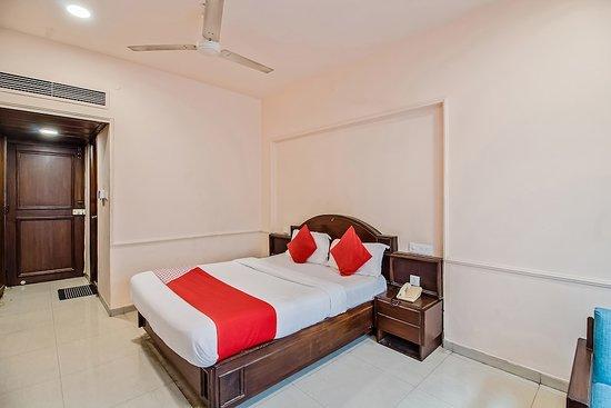 OYO Flagship 22412 Hotel Sai Prakash Nampally