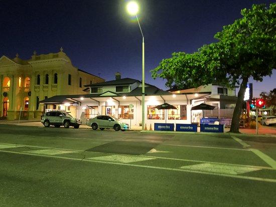 Coffee House Apartment Motel