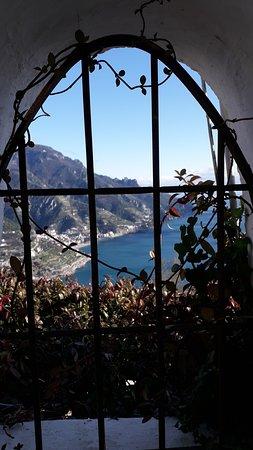 Ακτή Αμάλφι, Ιταλία: Panorama su Maiori e minori da Ravello