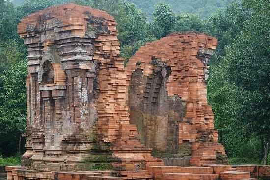 Duy Xuyên Huyện, Việt Nam: Former spiritual center of Central Vietnam - My Son Sanctuary
