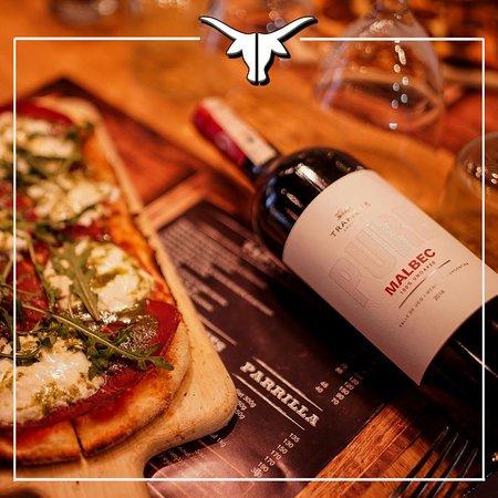 La passion Argentine déclinée dans nos Pizzettas artisanales ...Accompagnez votre dégustation d'un bon cru de Malbec