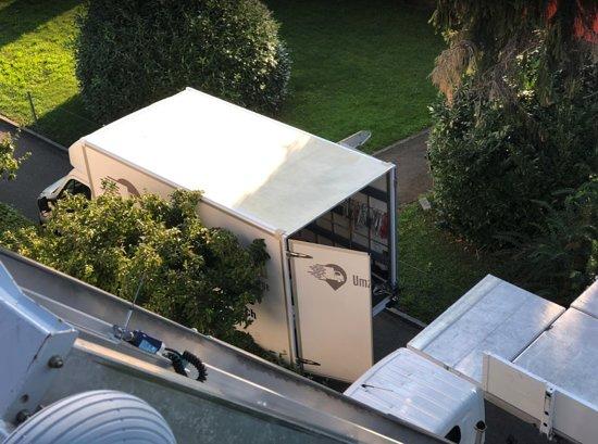 Aarau, Švajčiarsko: Umzugszentrale AG - Zügle ohni Sorge