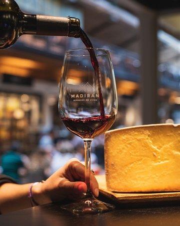 Vinos uruguayos y quesos