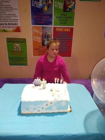 Cleveland, OH: Sing Happy birthday
