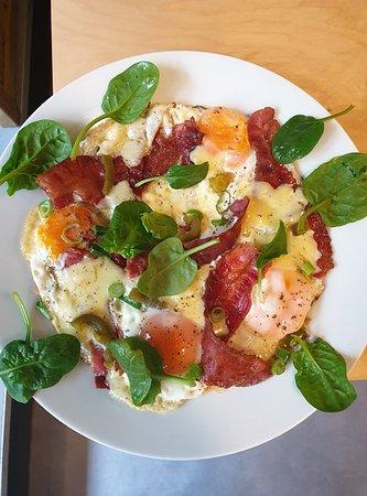 Hemendex (Smoky bacon, Mature cheddar, spinach, free range eggs)