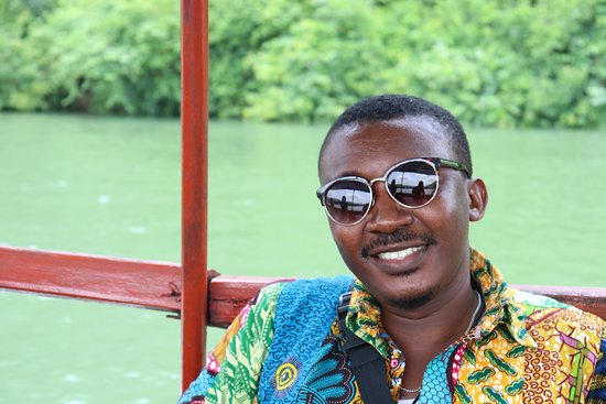 Accra - Cape Coast/Elmina Tour (The Return Experience): Yaw! The guide!