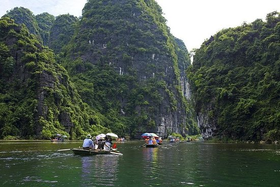 Hoa Lu - Tam Coc Full day Deluxe Small...