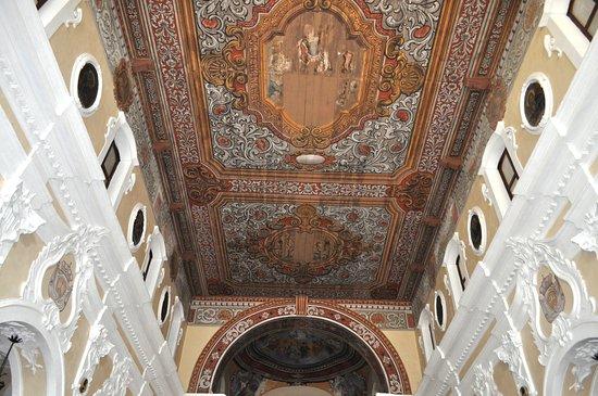 Soffitto ligneo della chiesa