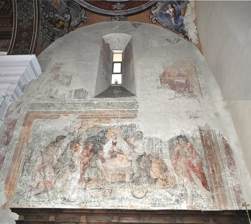 affresco all'interno della chiesa con la rappresentazione della natività