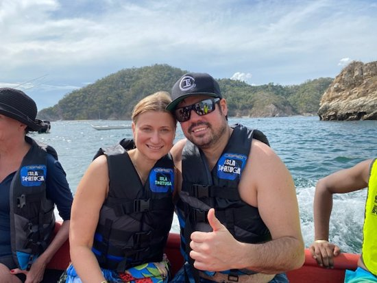 Tortuga Island Tour with Costa Cat: Snorkeling activity transportation
