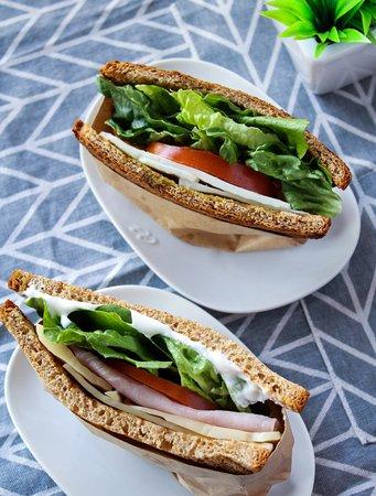 Nuestros sándwiches son ricos y frescos!