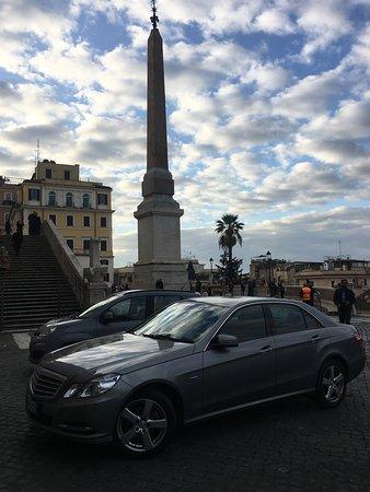 Trinita' dei Monti, sopra Piazza di Spagna, Roma .