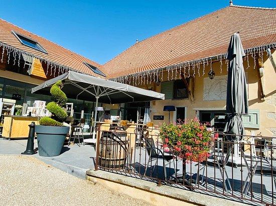 Vignieu, France: La Grange de Pépé