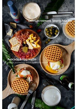 Abocado & Egg waffle sandwich - 155K