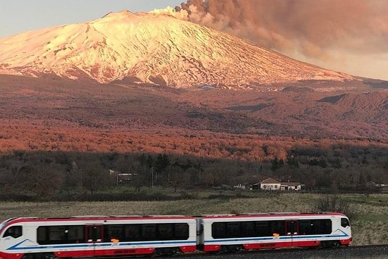 Volcanic Train and Wine Tour on Etna