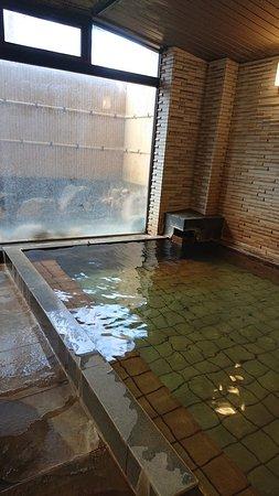 大浴場 ガラス向こうが露天風呂
