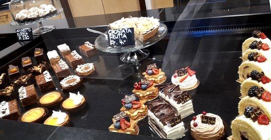 Verscio, İsviçre: Auslage PERI Bäckerei