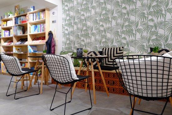 Kortrijk, België: Interieur benedenverdieping