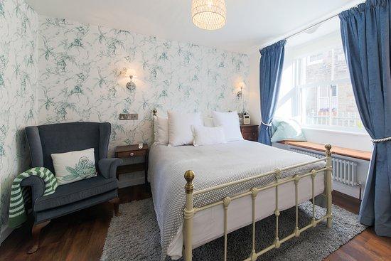 Room 1 King en suite