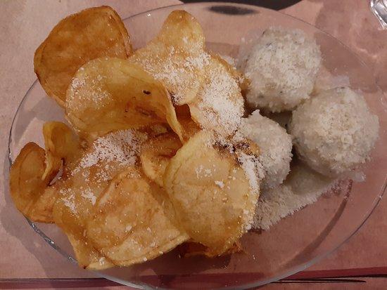 Polpette con fonduta di formaggio e patate (Senza glutine)