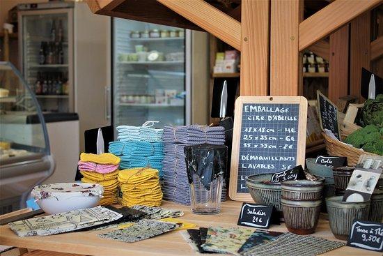 """Corner spécial """"zéro déchet"""", fabrication plus que locale, puisque made in l'épicerie du coing !!!"""