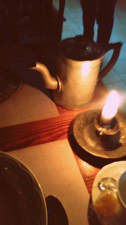 Café maison en cafetière mis à votre disposition