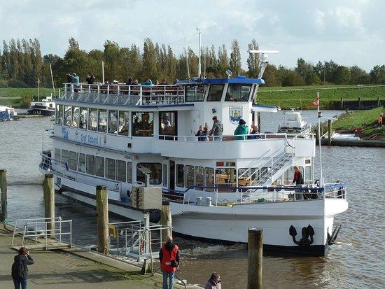 Fahrgastschiff - Graf Edzard I.