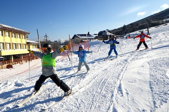 Lezione di sci privata con la famiglia