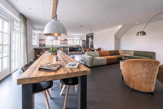 Landelijke woonkamer of bij hotel de gezamenlijke ruimte