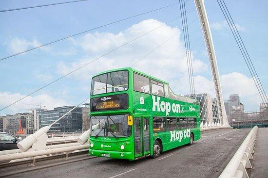 ダブリン市内を自由に乗り降りできるバスツアー