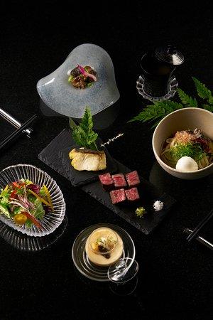 Set Lunch - Grilled fish of the day served with grilled beef (Bò nướng đặc biệt và cá nướng)