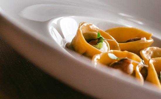 M4cento Restaurant