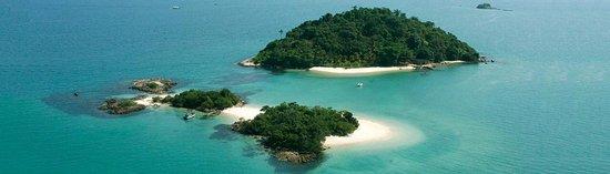 Pousada do Sossego Jacareí, estamos localizados a 350 Mts. da praia de Conceição e organizamos passeios a Ilha Grande e outras Ilhas (Cataguazes na foto).