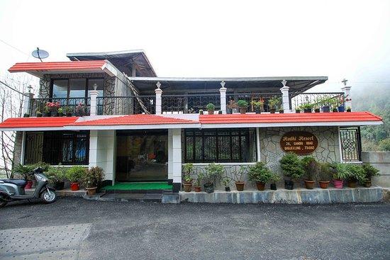 Darjeeling, India: Front View of Mystic Rodhi Resort
