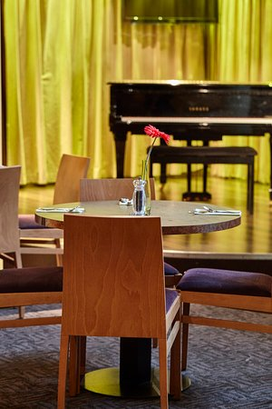 Breakfast lounge and Jazz at Future Inns