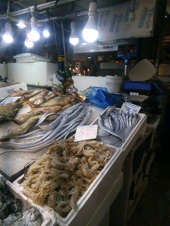 рынок морепродуктов в Афинах январь 2020