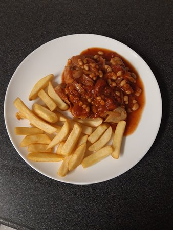 Amazing food different specials every day Sausage casserole and chip