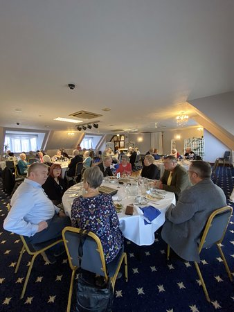 Upchurch, UK: Members of Medway AMKKM chatting prior to lunch