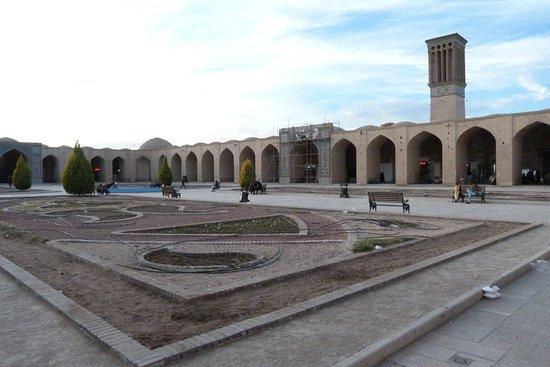 Piazza nella zona del bazar