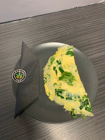 Treforest, UK: Spinach,kale and vegan cheese omelette