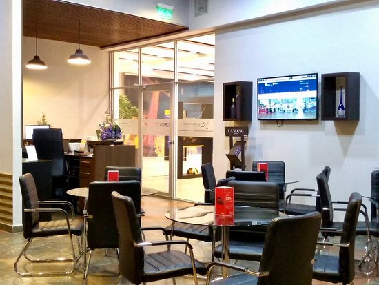 Layover Stay Quito Mariscal Sucre Airport