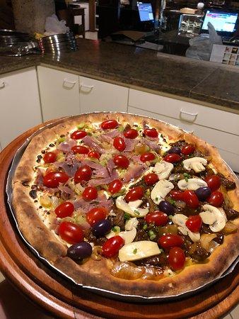 Vargem Grande Paulista: Pizza 1/2 Palestra Itália 1/2 Filé mignon